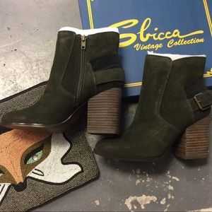 Sbicca Suede Forest green Booties various sizes